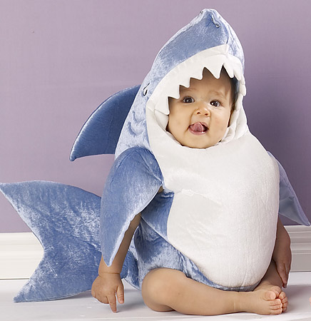 http://www.nuggetsfactory.com/EURO/megalodon/costume-requin.jpg