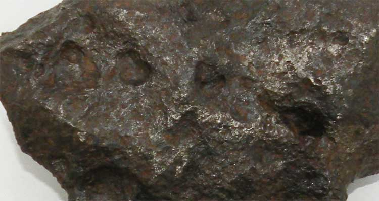 http://www.nuggetsfactory.com/EURO/meteorite/campo%20del%20cielo/71%20campo%20del%20cielo%20j.jpg