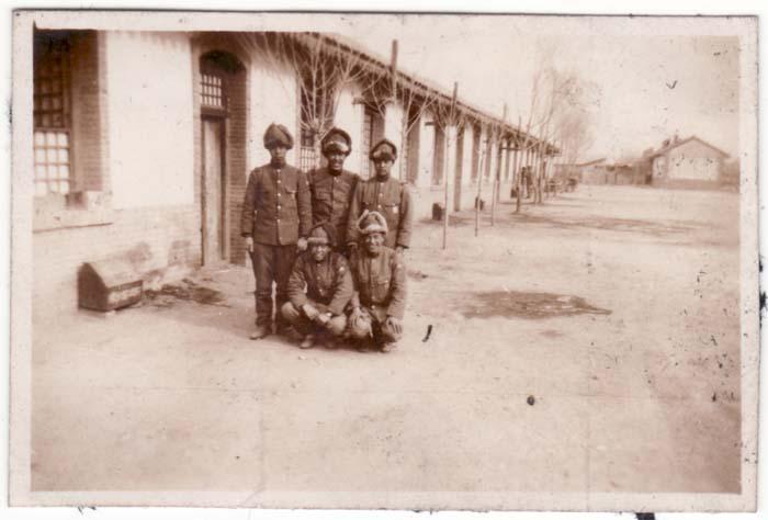 https://www.nuggetsfactory.com/EURO/militaria/Photo/photo%201/32%20photo%20militaria.jpg