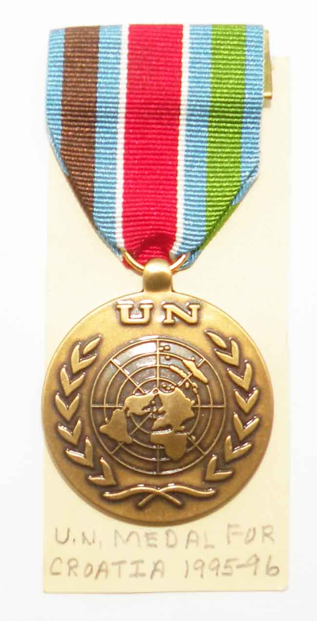 https://www.nuggetsfactory.com/EURO/militaria/medaille/medaille%201/47%20Medaille%20.jpg