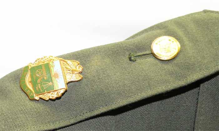 https://www.nuggetsfactory.com/EURO/militaria/uniforme%20coiffe%20et%20casque/3%20uniforme%20a.jpg