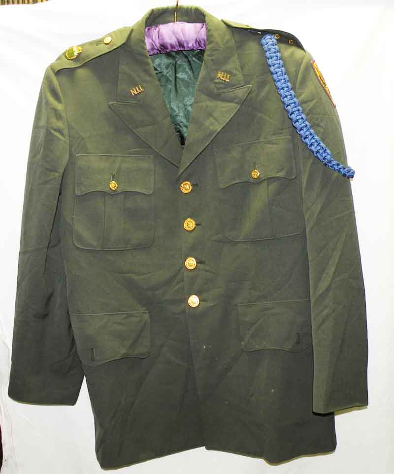 https://www.nuggetsfactory.com/EURO/militaria/uniforme%20coiffe%20et%20casque/3%20uniforme.jpg